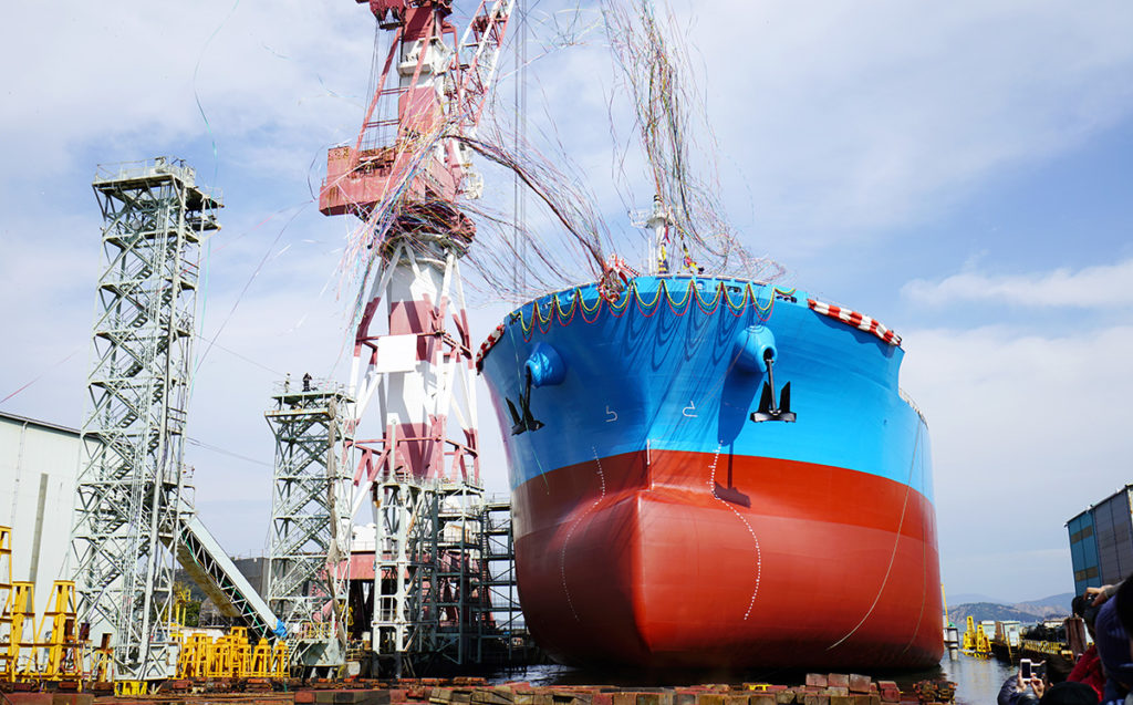 進水式 船の新造の図
